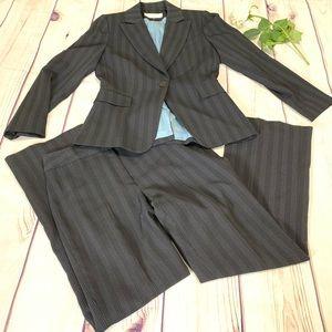 TAHARI PINSTRIPE BLAZER casual career pants suit